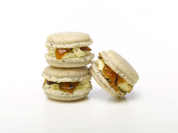 earl grey and peach Poeme Macarons