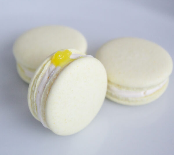 Vegan lemon macarons Poeme